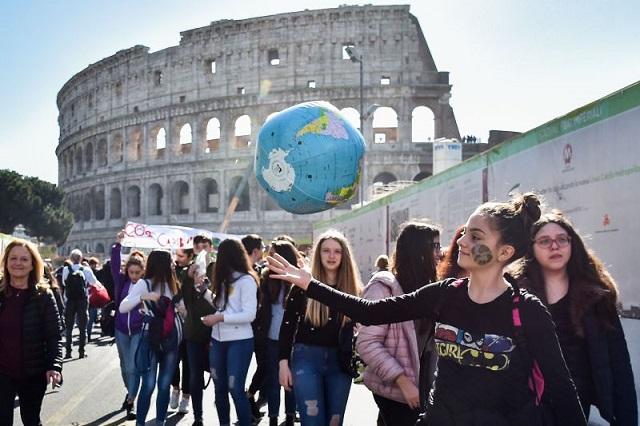 Ιταλία: Κλιματική Αλλαγή και Βιωσιμότητα θα διδάσκονται στα σχολεία