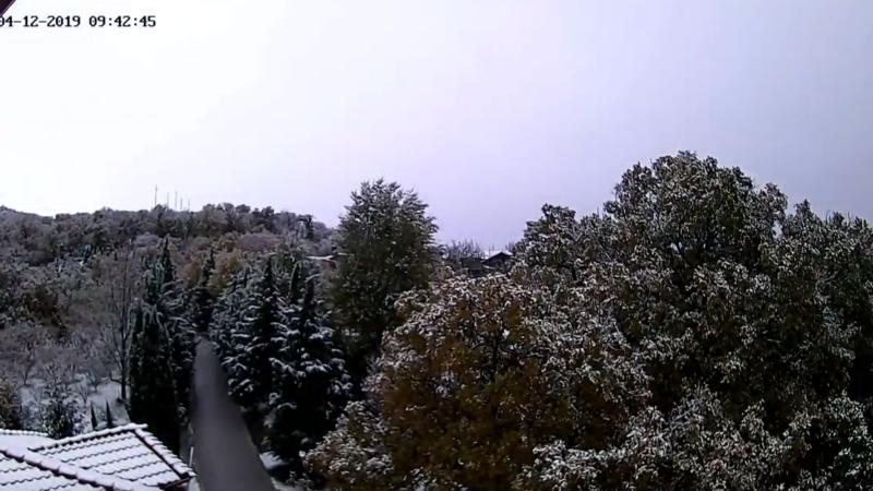 Στα λευκά η Σπηλιά και η Ανατολή Κισσάβου (timelapse video)