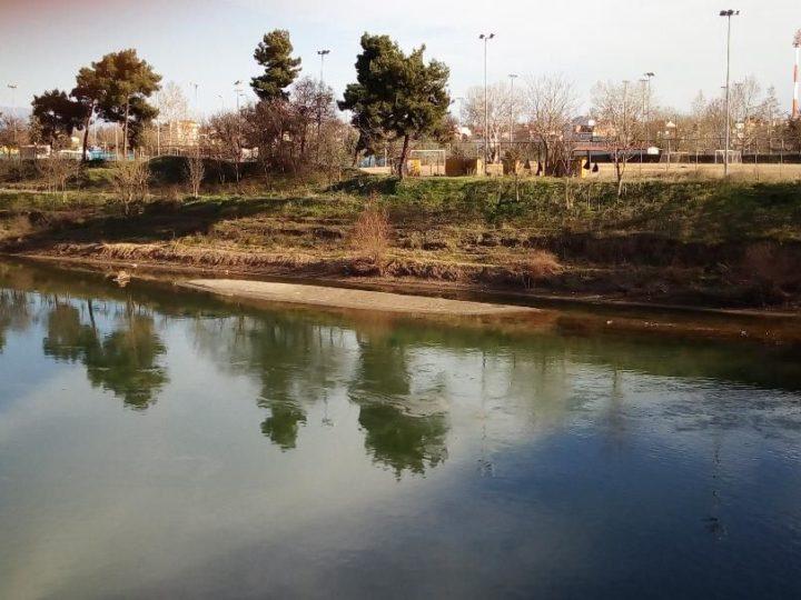 «Στεγνώνει» ο Πηνειός ποταμός (φωτ.)
