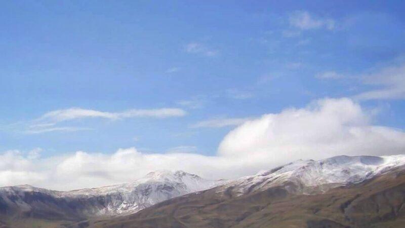 Έπεσαν τα πρώτα χιόνια στον Γράμμο (φωτό)