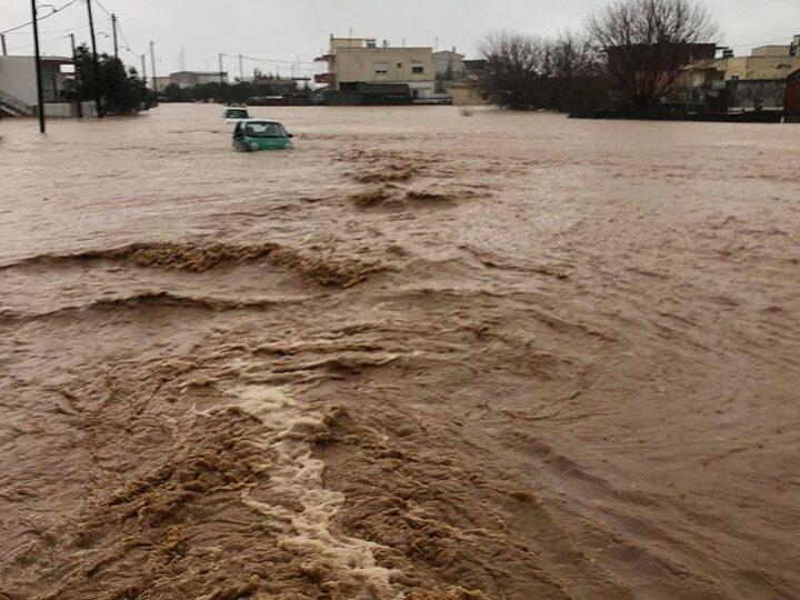 Πλημμύρες στον Έβρο: Πνίγηκε πυροσβέστης στην Αλεξανδρούπολη προσπαθώντας να σώσει μαθητές (φωτό+βίντεο)