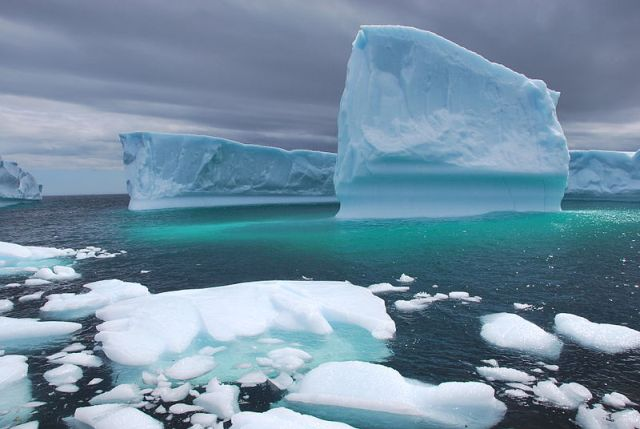 Η τήξη των παγοκαλυμμάτων, των ορεινών παγετώνων και η  ανύψωση της μέσης στάθμης της θάλασσας