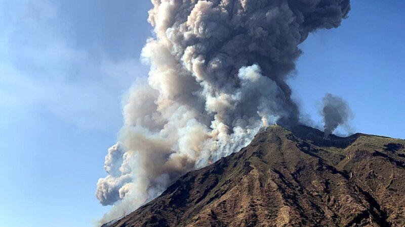 Αίτνα: «Βροχή» από ηφαιστειακή στάχτη – Μέχρι την Αθήνα έφθασε το νέφος!