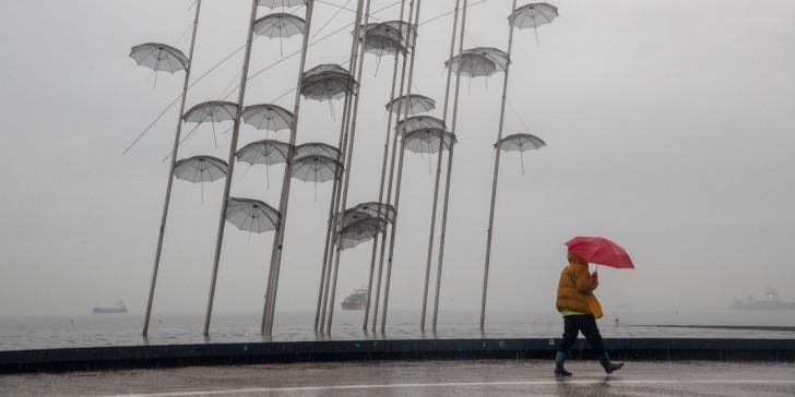 Μεταβολή του καιρού την Καθαρά Δευτέρα, με βροχές, καταιγίδες,χιόνια και πτώση της θερμοκρασίας (+ΧΑΡΤΕΣ)
