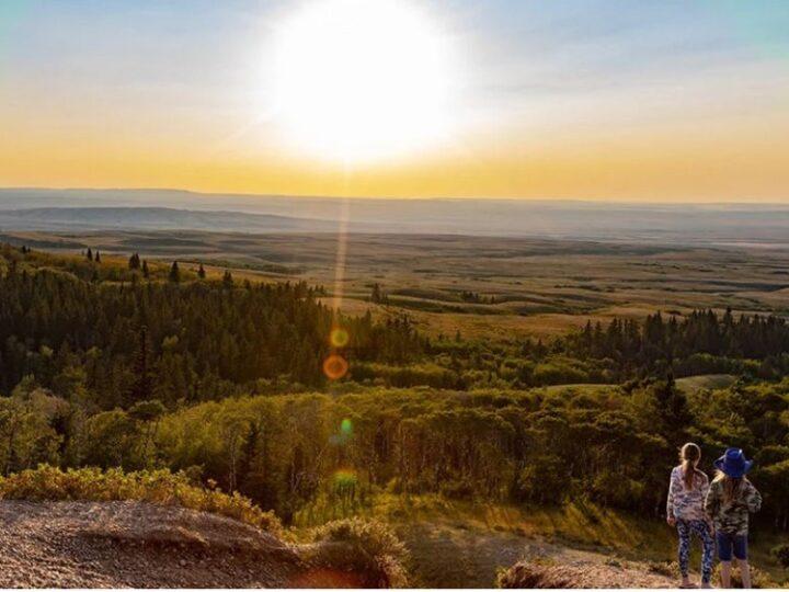 Οι ηλιόλουστες περιοχές έχουν λιγότερους θανάτους από κορωνοϊό
