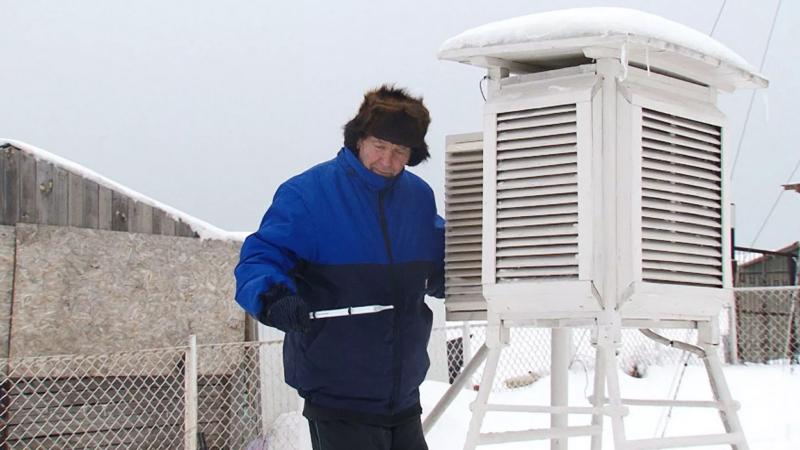 Οικογένεια μετεωρολόγων: Ζώντας 44 χρόνια στην κορυφή ενός βουνού (video)