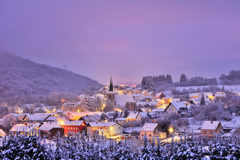 Ισχυρή χιονόπτωση τώρα στο Neuss της Γερμανίας! (video)