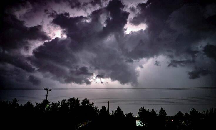 Έντονη αστάθεια από σήμερα το βράδυ με κατά τόπους ισχυρές βροχές και καταιγίδες.