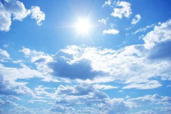 Καλοκαιρία το τριήμερο 8-10 Μαΐου 2021 με πτώση της θερμοκρασίας και λίγες τοπικές βροχές στα ανατολικά την Κυριακή 9-5-2021 (+Χάρτες)