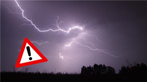 Έντονη αστάθεια από σήμερα στη χώρα, με κατά τόπους ισχυρές καταιγίδες και μπουρίνια.