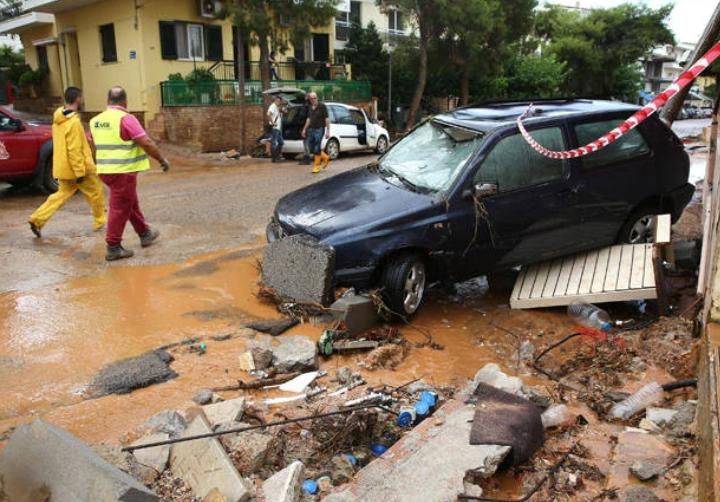 Καιρός: Το πιο επικίνδυνο φαινόμενο που σκότωσε 132 ανθρώπους στην Ελλάδα μέσα σε 20 χρόνια