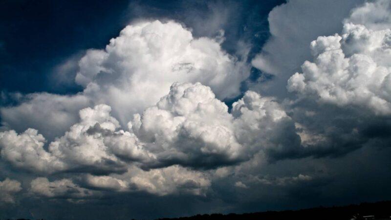 Πρόγνωση Θεσσαλίας και Σποράδων 23-25/7/21 Τοπικές μπόρες ή καταιγίδες το Σάββατο,βελτιωμένος απο την Κυριακή (+χάρτης βροχής)