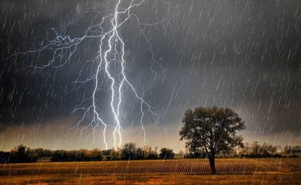 Έντονες καταιγίδες το Σάββατο στα ηπειρωτικά-Βελτίωση την Κυριακή