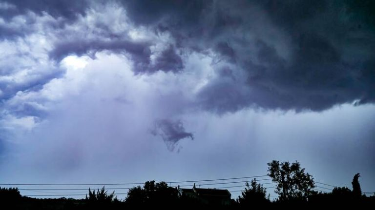 Σημαντική μεταβολή του καιρού με τοπικά έντονες βροχές και καταιγίδες, σε μεγάλο μέρος της ηπειρωτικής χώρας