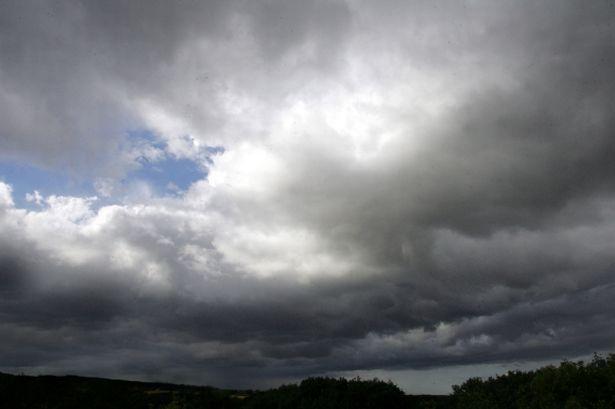 Νεφελώδης με τοπικές βροχές ο καιρός το επόμενο τετραήμερο 26-29/10/2021 στην κεντρική και στην νότια Ελλάδα (+Χάρτες)